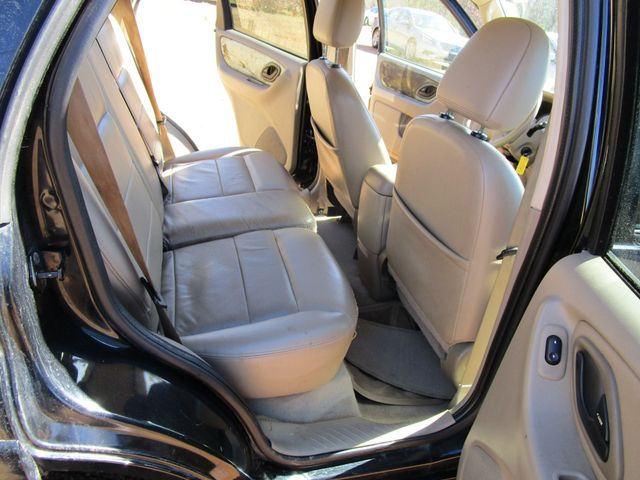 2005 Ford Escape Limited Houston, Mississippi 10