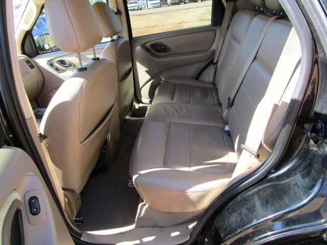 2005 Ford Escape Limited Houston, Mississippi 9