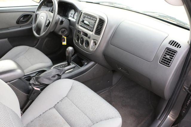 2005 Ford Escape XLT Santa Clarita, CA 9
