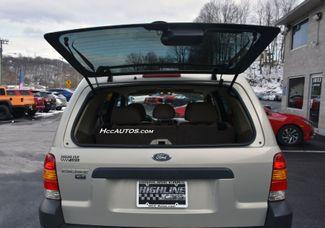 2005 Ford Escape 4dr 3.0L XLT 4WD Waterbury, Connecticut 11
