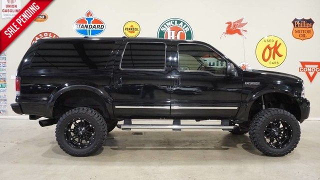 2005 Ford Excursion Limited 4X4 LIFTED,NAV,REAR DVD,HTD LTH,FUEL WH...