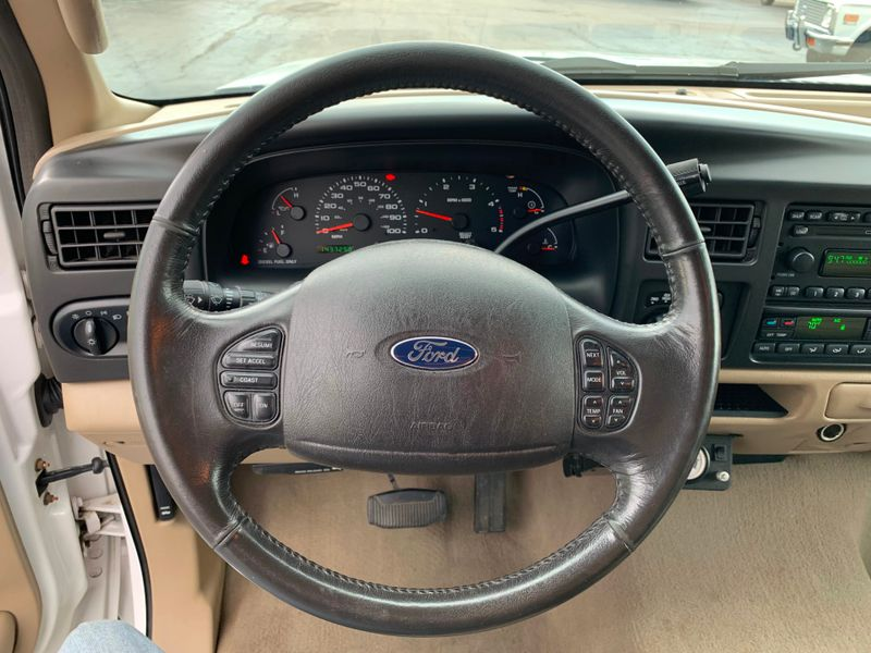 2005 Ford Excursion Eddie Bauer  St Charles Missouri  Schroeder Motors  in St. Charles, Missouri