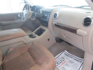 2005 Ford Expedition King Ranch Gardena, California 7