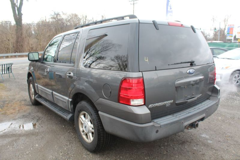 2005 Ford Expedition XLT  city MD  South County Public Auto Auction  in Harwood, MD