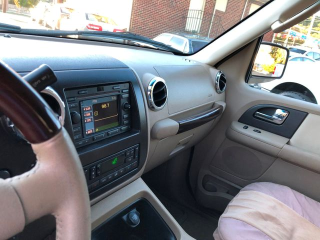 2005 Ford Expedition Limited Knoxville , Tennessee 22