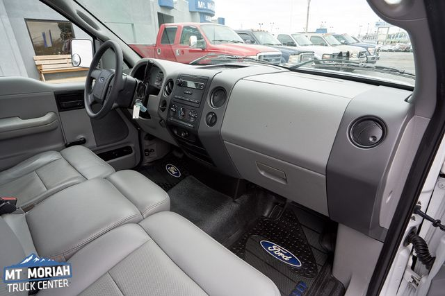 2005 Ford F-150 XL in Memphis, Tennessee 38115