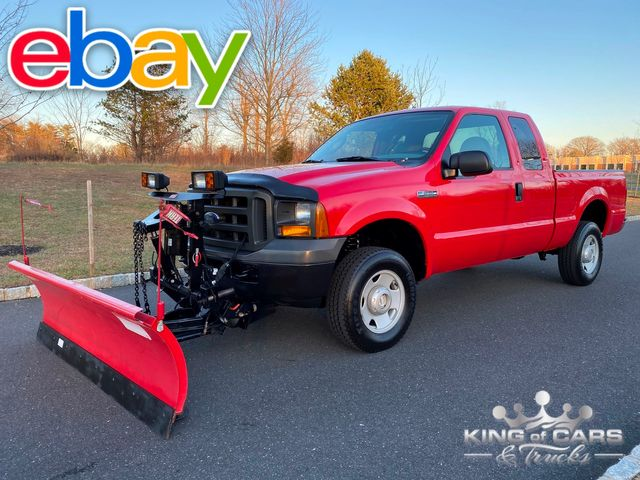 2005 Ford F250 Supercab V8 4X4 ONLY 56K MILES W/ WESTERN PLOW MINT