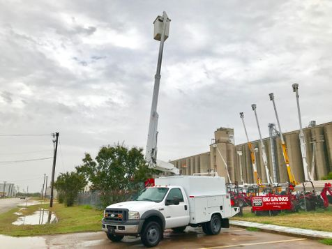 2005 Ford F450 BUCKET TRUCK  in Fort Worth, TX