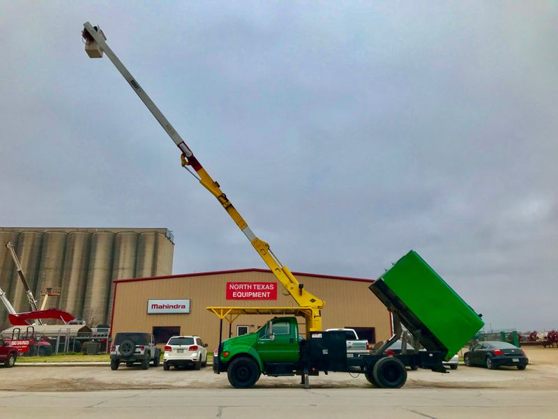 2005 Ford F750 FORESTRY BUCKET TRUCK    city TX  North Texas Equipment  in Fort Worth, TX