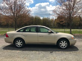2005 Ford Five Hundred SE Ravenna, Ohio 4