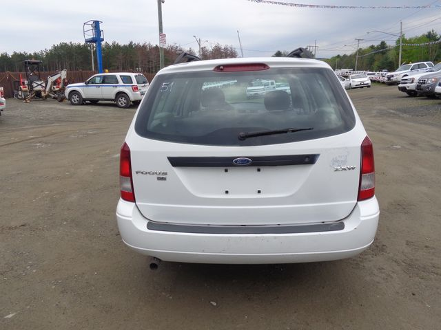 2005 Ford Focus SE Hoosick Falls, New York 3