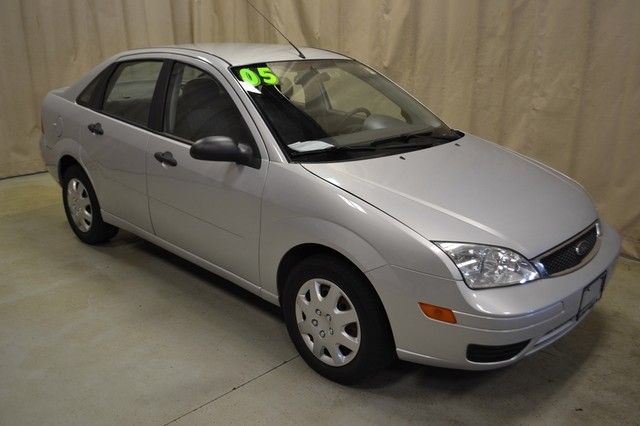 2005 Ford Focus SE in Roscoe, IL 61073