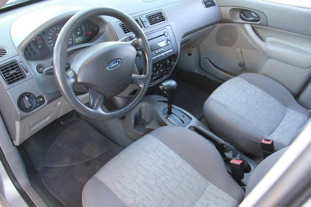 2005 Ford Focus S Santa Clarita, CA 8