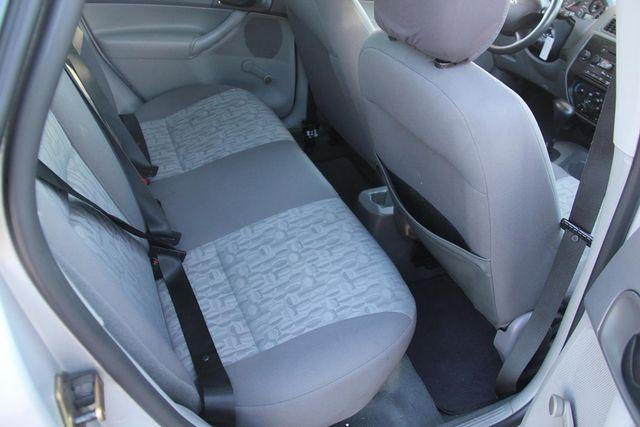 2005 Ford Focus S Santa Clarita, CA 16