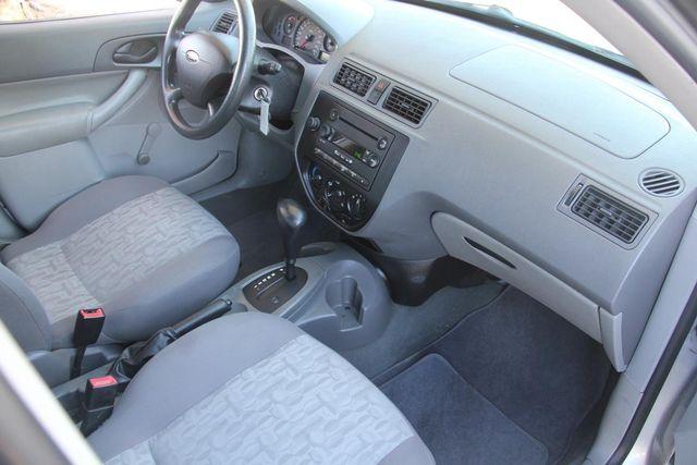 2005 Ford Focus S Santa Clarita, CA 9