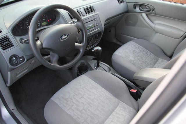 2005 Ford Focus SE Santa Clarita, CA 8