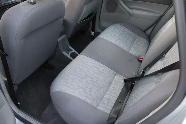 2005 Ford Focus SE Santa Clarita, CA 16