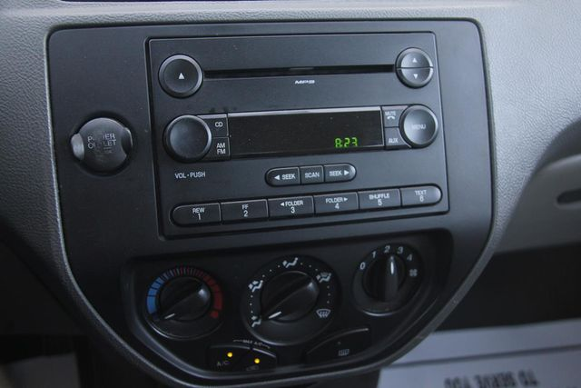 2005 Ford Focus SE Santa Clarita, CA 19