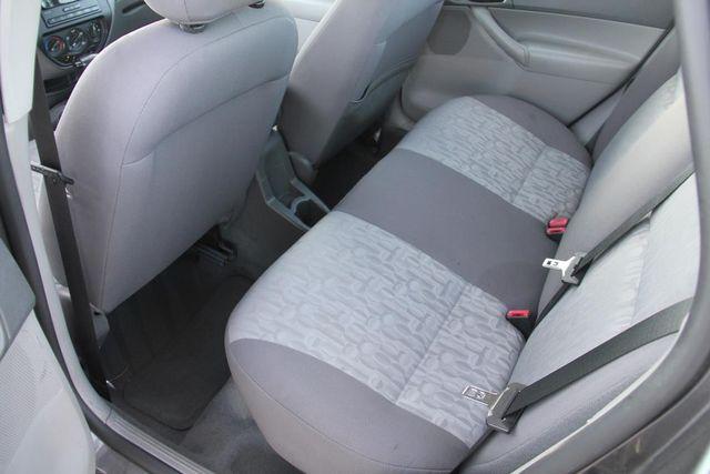 2005 Ford Focus SE Santa Clarita, CA 15
