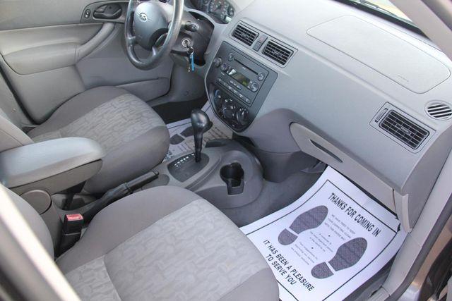 2005 Ford Focus SE Santa Clarita, CA 9