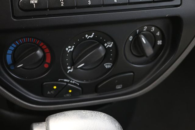2005 Ford Focus SE WAGON Santa Clarita, CA 20