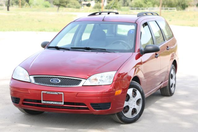 2005 Ford Focus SE WAGON Santa Clarita, CA 4
