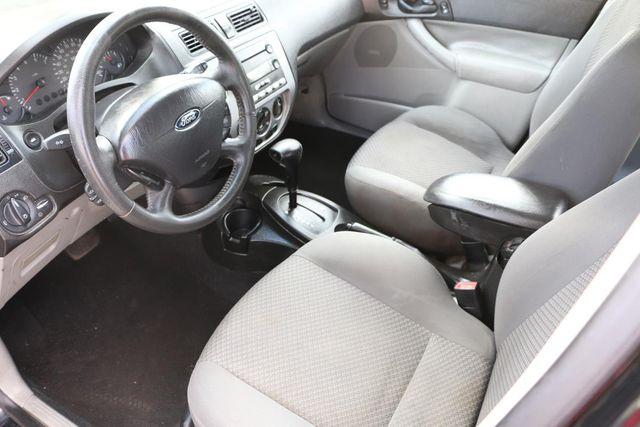 2005 Ford Focus SES Santa Clarita, CA 6