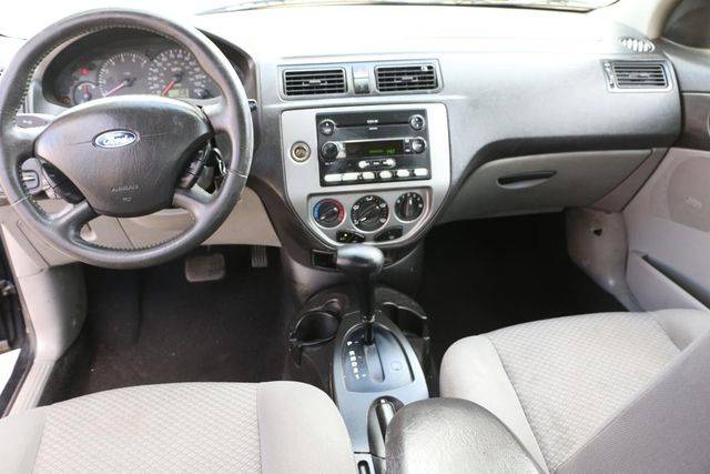 2005 Ford Focus SES Santa Clarita, CA 5