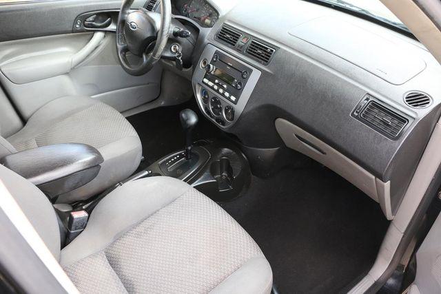 2005 Ford Focus SES Santa Clarita, CA 7