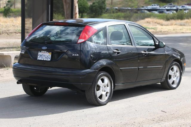 2005 Ford Focus SES Santa Clarita, CA 4
