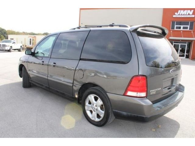 2005 Ford Freestar Wagon SES in St. Louis, MO 63043