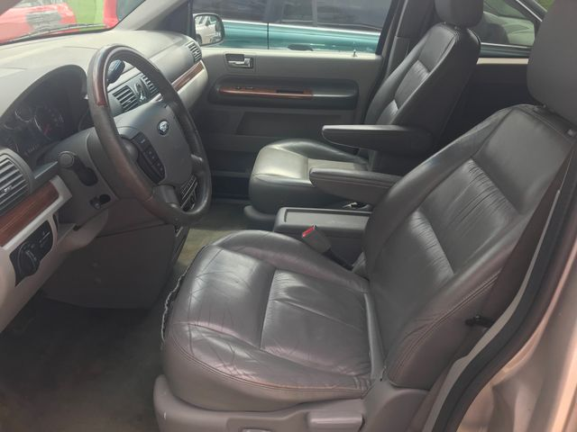 2005 Ford Freestar Wagon Limited Ravenna, Ohio 6