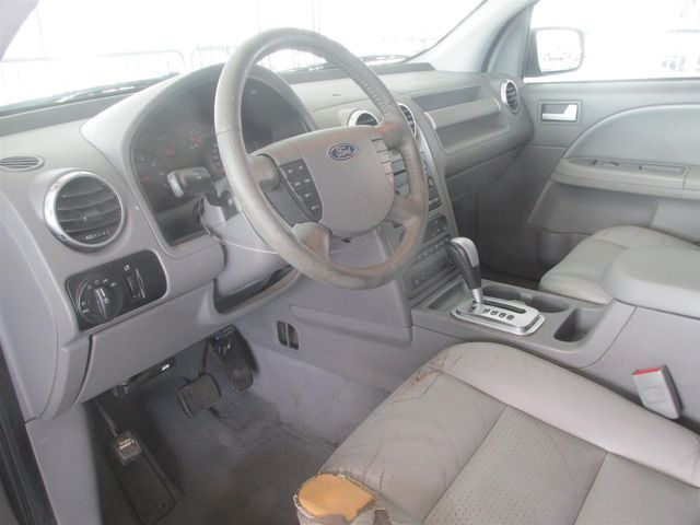 2005 Ford Freestyle SEL Gardena, California 4