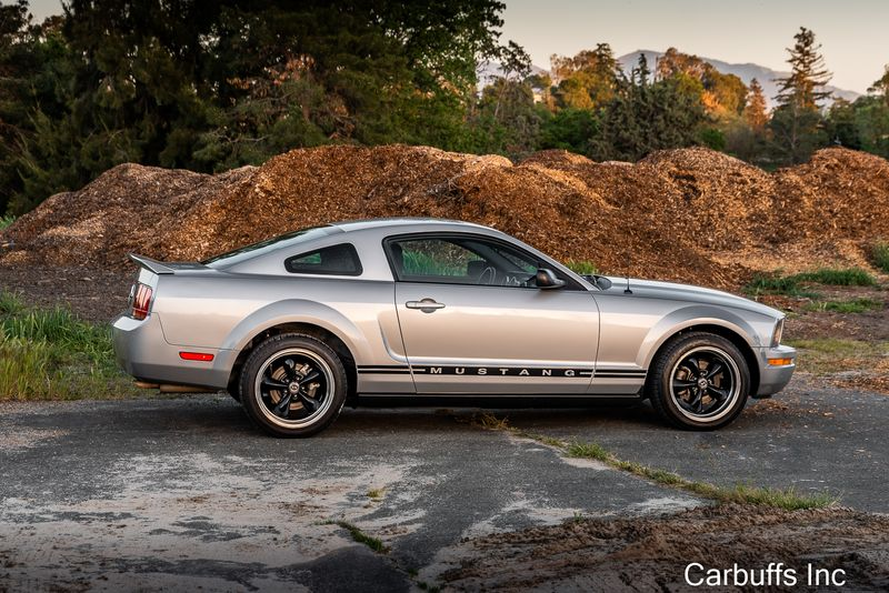 2005 Ford Mustang Deluxe | Concord, CA | Carbuffs in Concord, CA