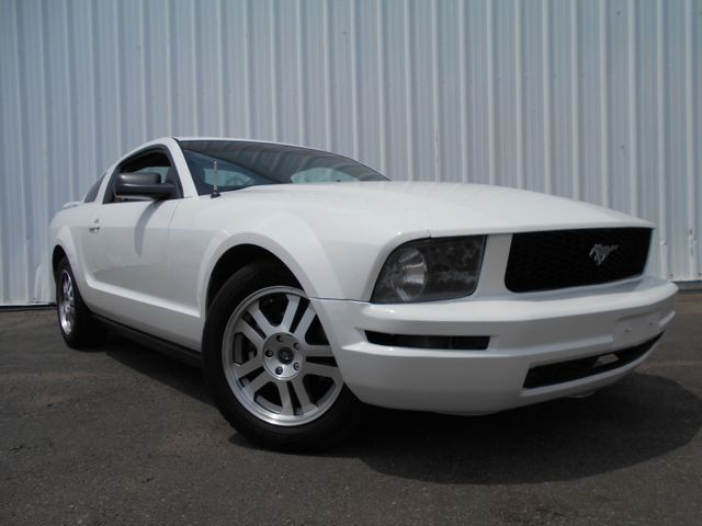 2005 Ford Mustang Deluxe in Englewood, CO 80110