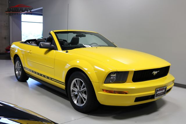 2005 Ford Mustang Premium Merrillville, Indiana 6