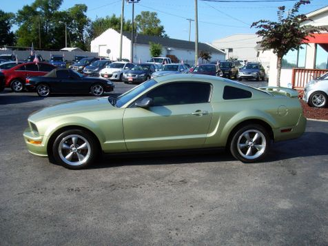 2005 Ford Mustang Deluxe | Nashville, Tennessee | Auto Mart Used Cars Inc. in Nashville, Tennessee