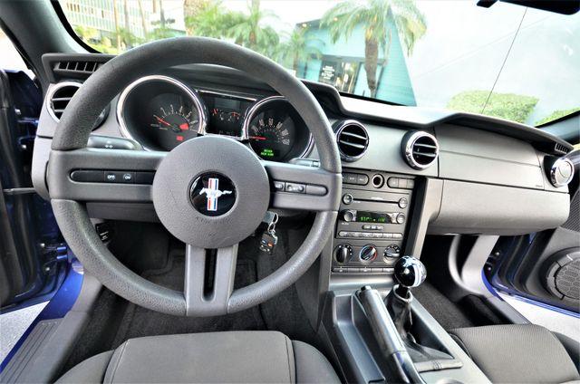2005 Ford Mustang Deluxe Reseda, CA 27