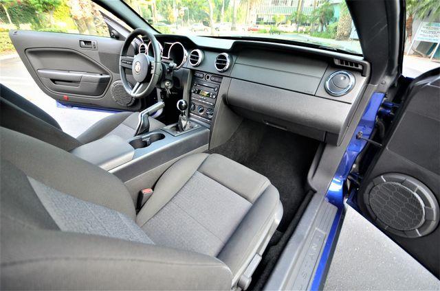 2005 Ford Mustang Deluxe Reseda, CA 31