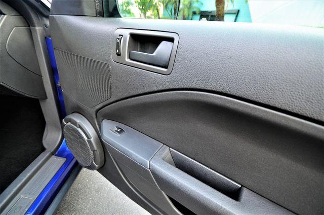 2005 Ford Mustang Deluxe Reseda, CA 32