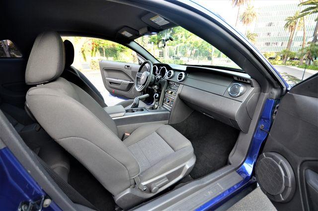 2005 Ford Mustang Deluxe Reseda, CA 34
