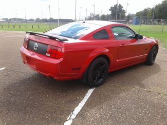 2005 Ford Mustang GT Deluxe Senatobia, MS 4