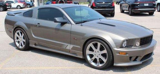 2005 Ford Mustang GT Premium St. Louis, Missouri 0