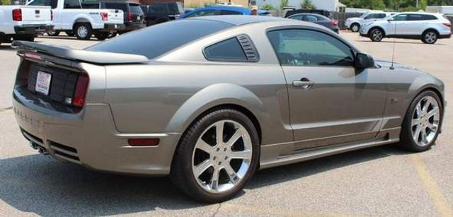 2005 Ford Mustang GT Premium St. Louis, Missouri 4