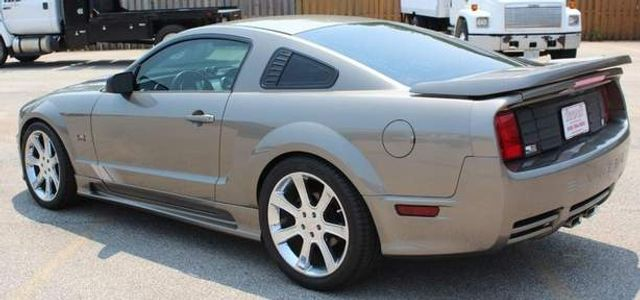 2005 Ford Mustang GT Premium St. Louis, Missouri 6