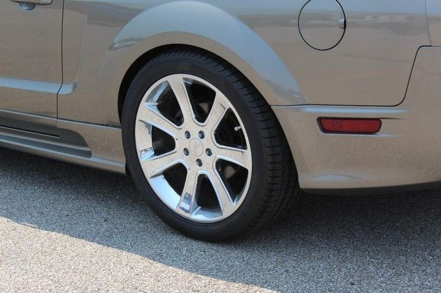 2005 Ford Mustang GT Premium St. Louis, Missouri 18
