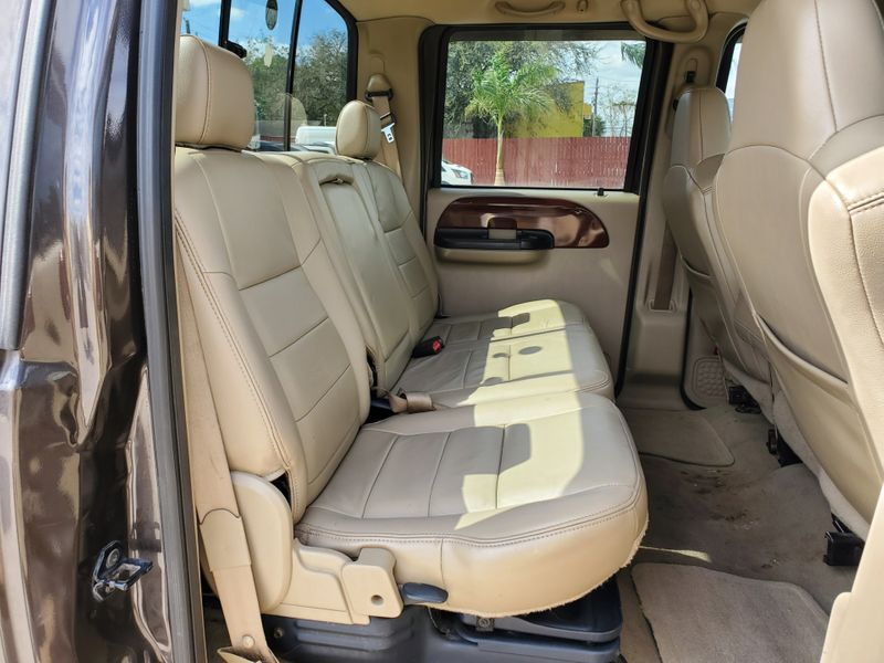 2005 Ford Super Duty F-250 Lariat  Brownsville TX  English Motors  in Brownsville, TX