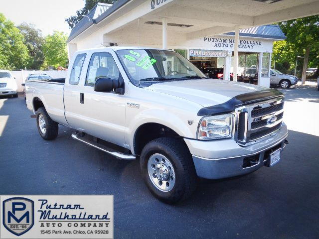 2005 Ford Super Duty F-250 XLT in Chico, CA 95928