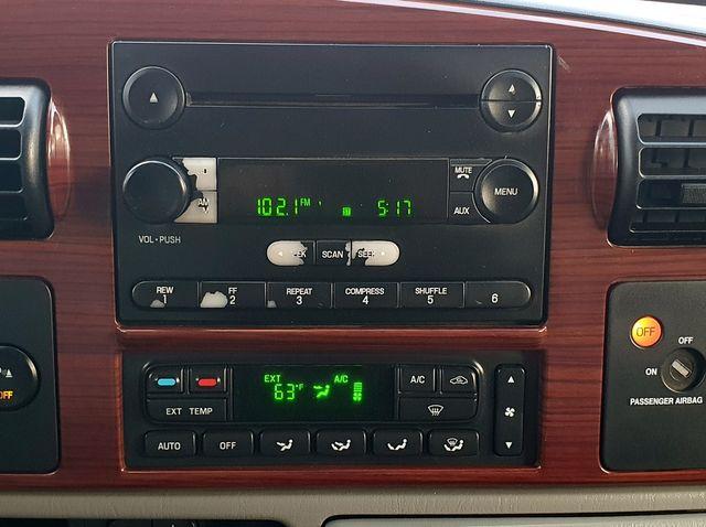 "2005 Ford Super Duty F-250 Lariat 4WD 6.0L V8 TDSL FX4 Pkg Leather/17"" in Louisville, TN 37777"