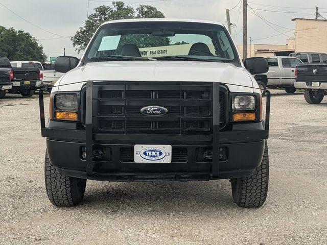 2005 Ford Super Duty F-250 XL in Pleasanton, TX 78064
